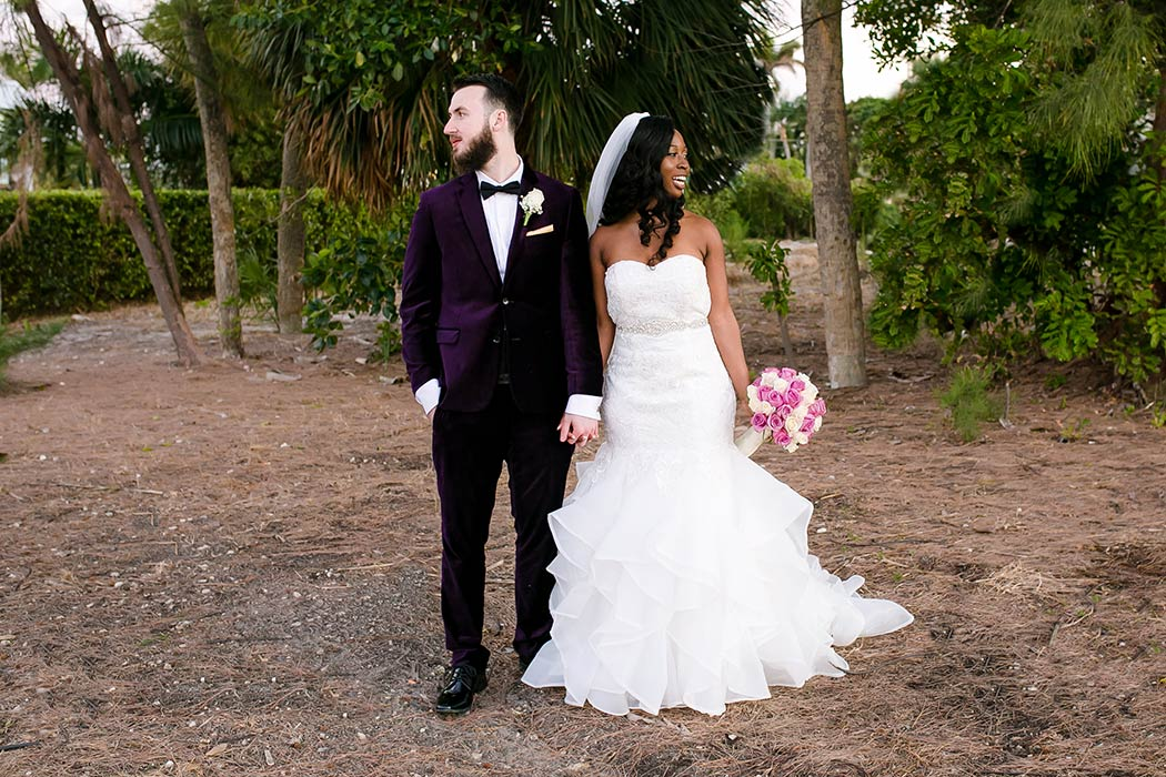 why do a first look? pros and cons of a first look? ideas for first look wedding | wedding photographer first look