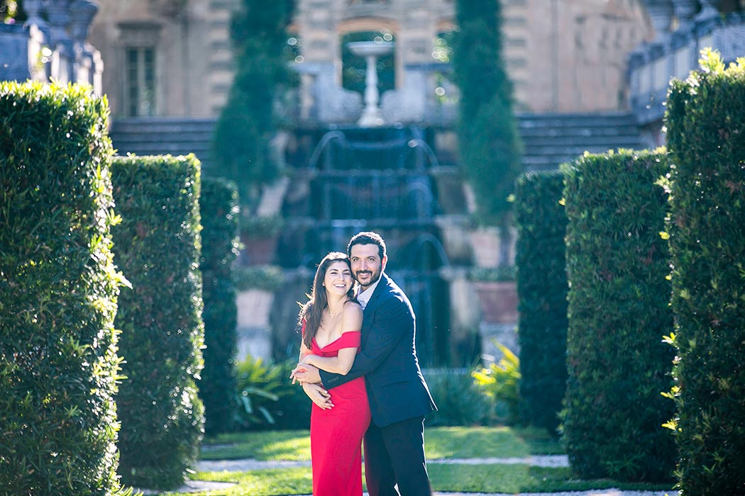 romantic couples photoshoot | vizcaya museum and gardens miami