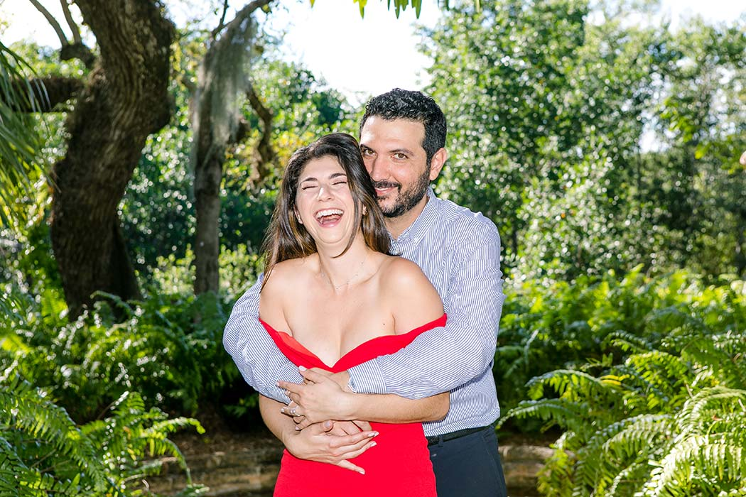 fun engagement photoshoot at vizcaya museum | couples photoshoot vizcaya