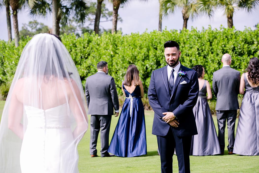 unique first look wedding ideas with bridal party | breakers west country club wedding | firt look wedding idea