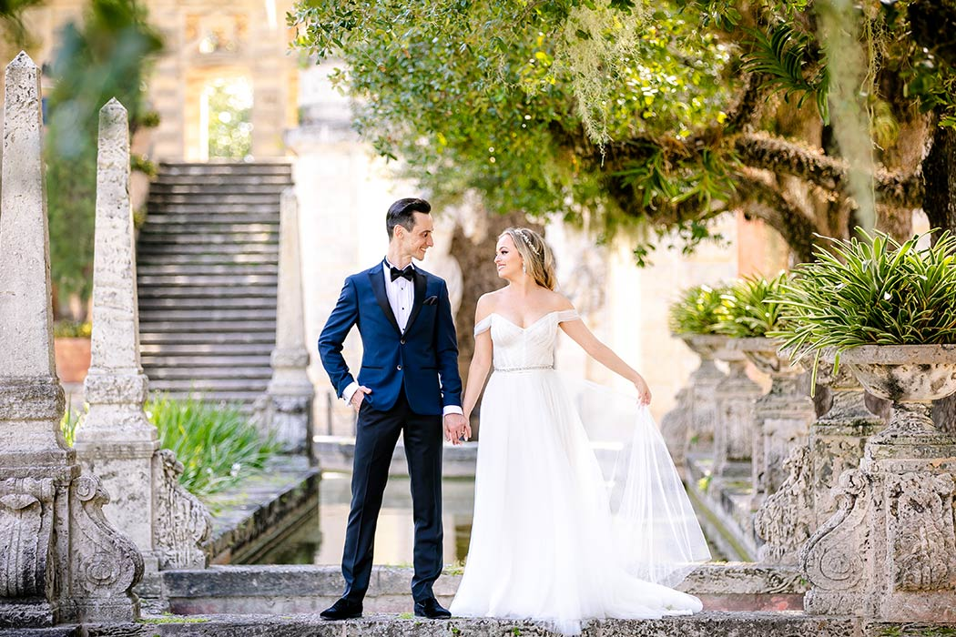 gorgeous bridal portraits at vizcaya museum | vizcaya museum wedding | engagement photography vizcaya