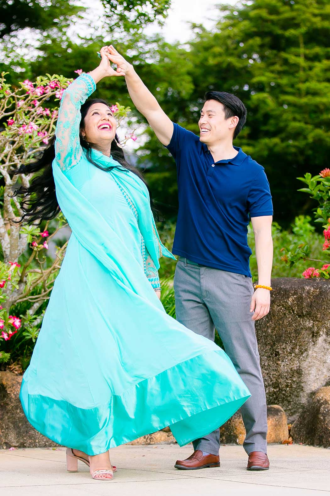 engagement photography at morikami | couple dancing during engagement photoshoot | dancing at morikami japanese gardens