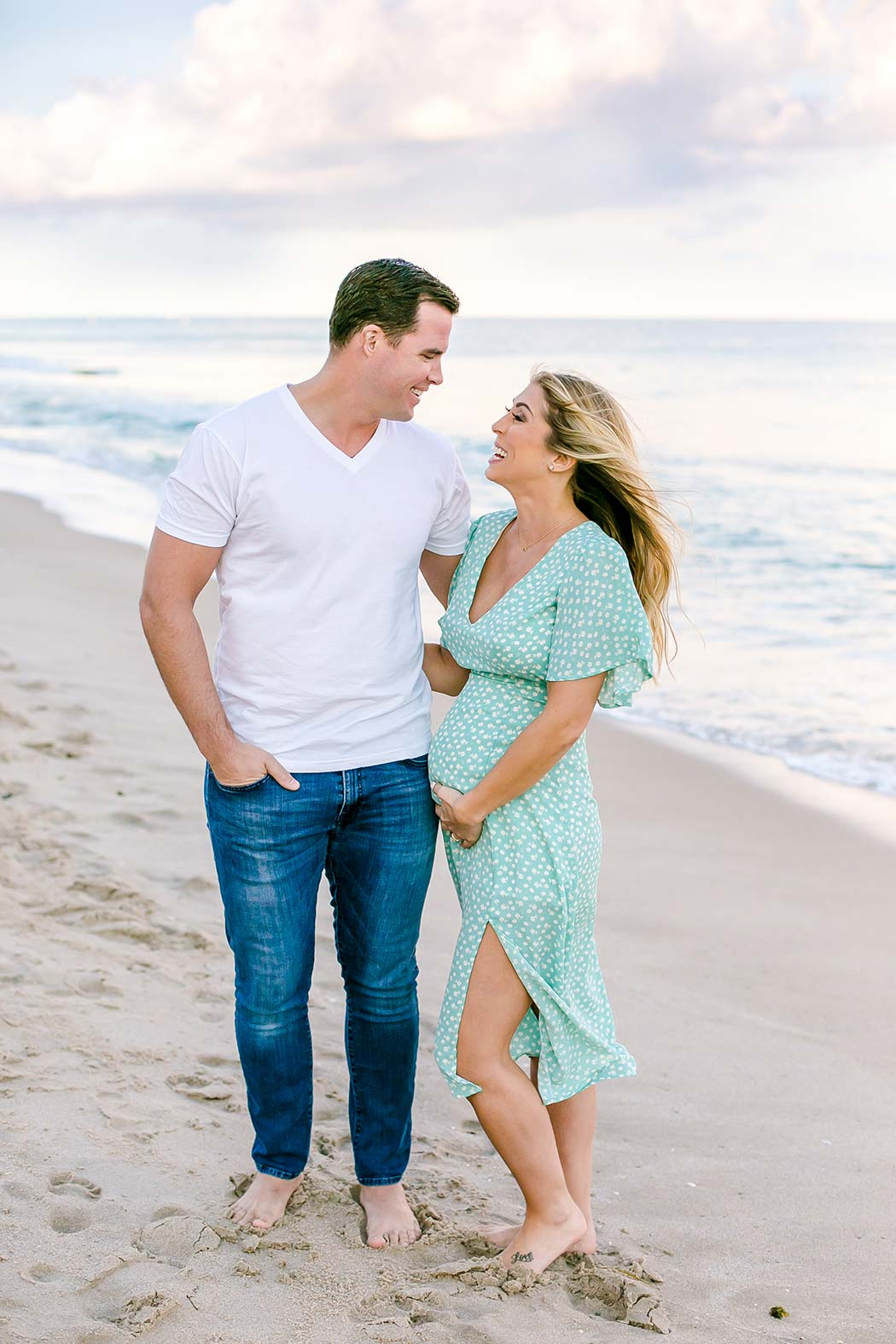 maternity poses for expectant mothers | fort lauderdale beach maternity photoshoot | maternity pose on beach | maternity beach photography | fort lauderdale beach maternity photographer