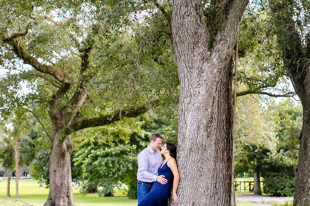beautiful elegant engagement session in fort lauderdale | engagement couple with large tree