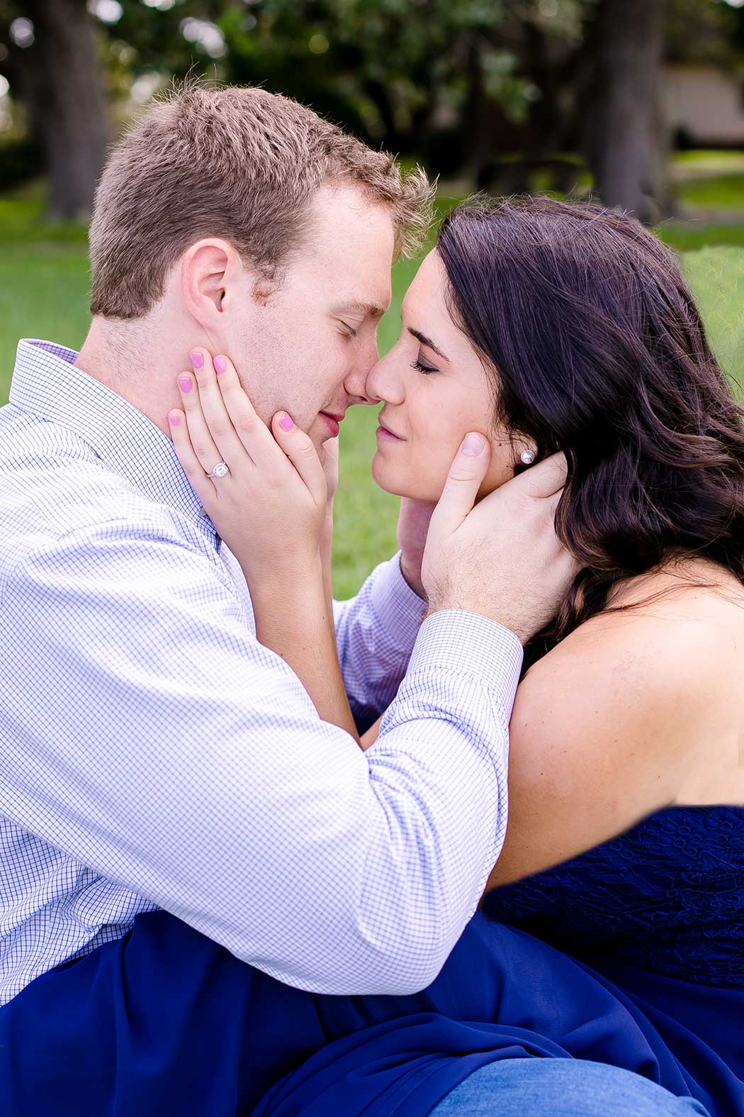 cute engagement photoshoot at robbins preserve park | romantic couples' photoshoot with formal dress