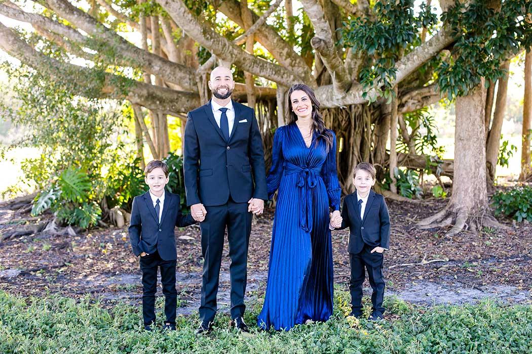 elegant formal family photoshoot Robbins Preserve park | family photoshoot robbins park davie | robbins preserve photography | fort lauderdale family photographer