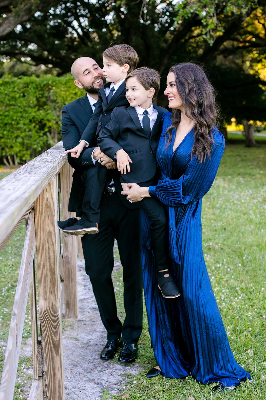 family photography session at robbins preserve near fort lauderdale | family photographer south florida | fort lauderdale park photographs